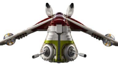 first look at lego 75309 ucs republic gunship which bears an unfortunate printing error