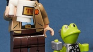 hidden detail spotted in the lego marvel collectible minifigures