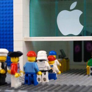 LEGO Shopping new iPhone