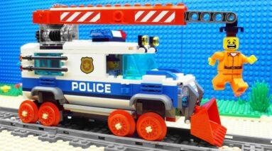 Lego Train Police Bulldozer - Parkour Fail