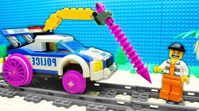 Police Crane vs Prison Truck Lego