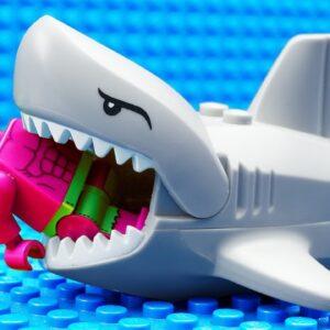 Red HULK vs Shark Team Fail