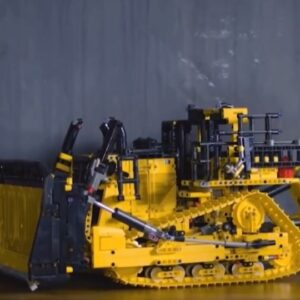 first look at the lego technic 42131 cat d11 bulldozer