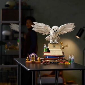 lego harry potter designers take clever shortcut in 76391 hogwarts icons collectors edition