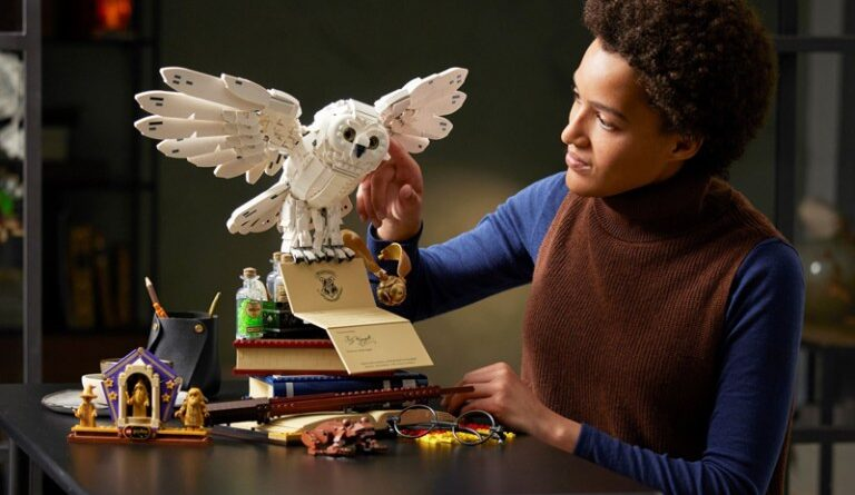 at last lego harry potter hogwarts icons collectors edition 76391 arrives in north america check shophome us