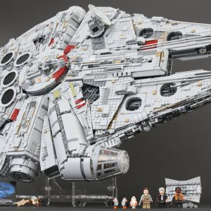 building the ucs lego star wars millennium falcon in stop motion