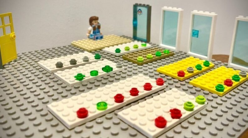 lego model used to demonstrate covid spread in schools